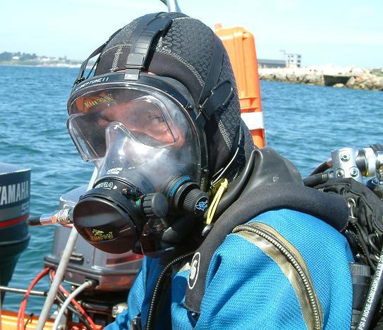 Full_face_diving_mask_-_ocean_reef