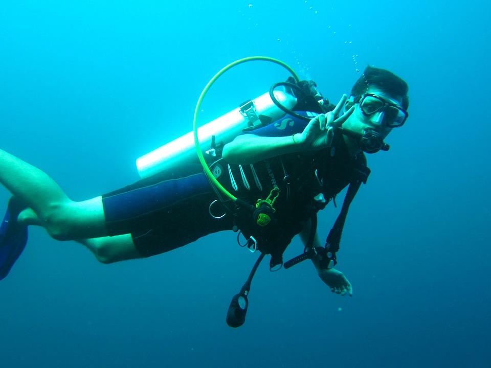 scuba-diver-261577_960_720